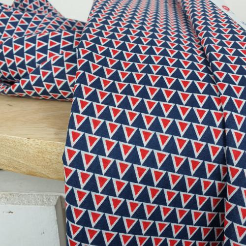 Bio Baumwollstoff Blau Rot Dreiecke