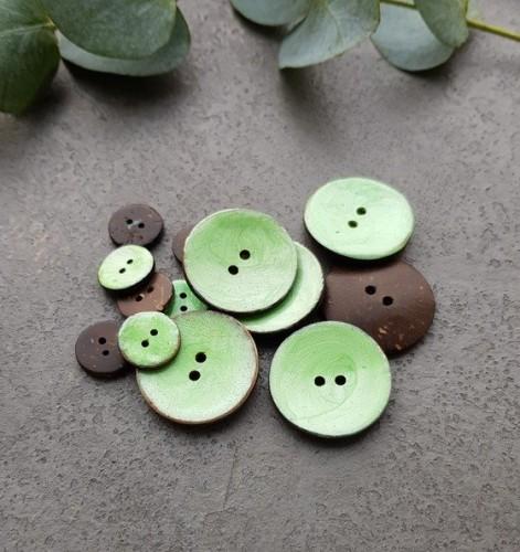 Kokosnussknopf lackiert grün 15/30 mm
