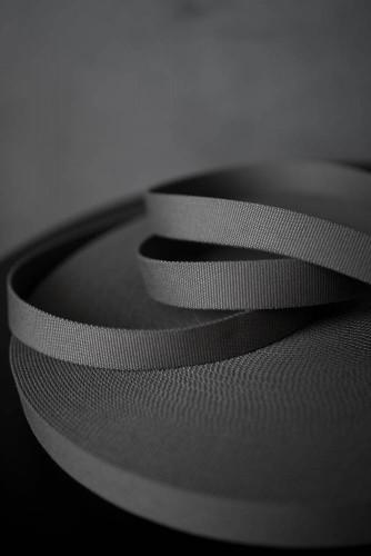 Merchant and Mills Gurtband Grey 30mm