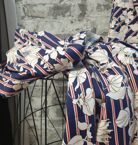 Burda Style Baumwollstretch Blumen Streifen Blau