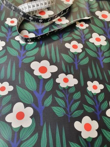 Cloud 9 Fabrics Beschichtete Baumwolle Schwarz Weiße Blumen