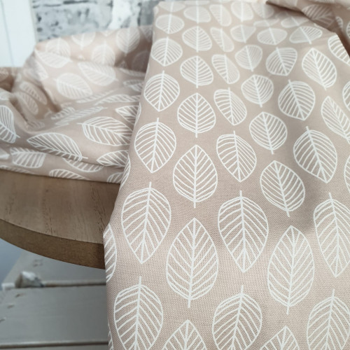 Makower Baumwollstoff Essentials Leaf Beige