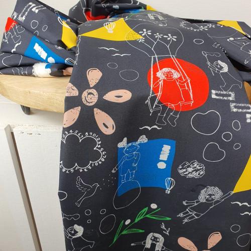 Art Gallery Fabrics Premium Baumwollstoff Sisu Spielende Kinder Schwarz