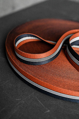 Merchant and Mills: Dashing Rust Navy 35mm Gurtband