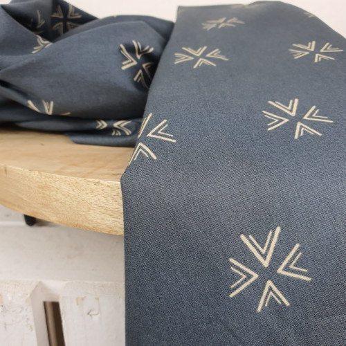 Art Gallery Fabrics Premium Baumwollstoff Dunkelgrau