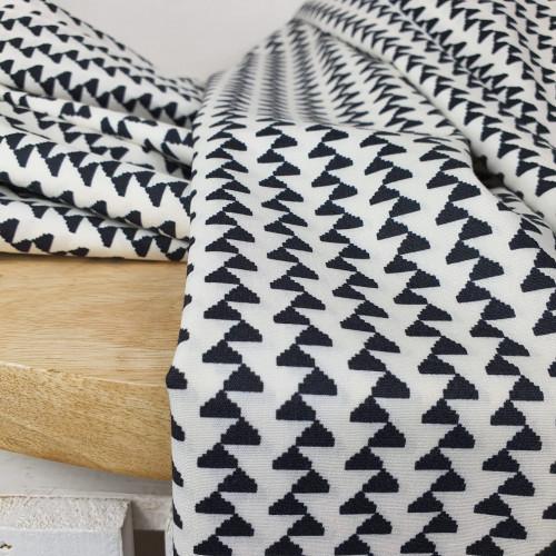 Art Gallery Fabrics Premium Baumwollstoff Craftbound Zickzack