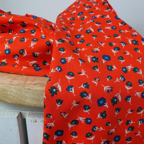 Art Gallery Fabrics Premium Baumwollstoff Everlasting Rot Blaue Blumen